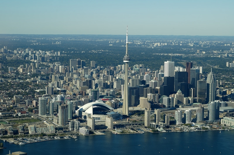 how much should i expect to pay for colocation services in toronto