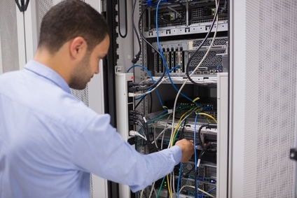 managed server hosting how does it benefit the it manager